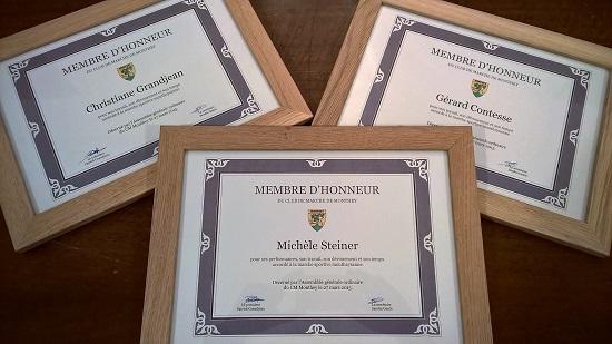 L'ancienne athlète Michèle Steiner, l'ancien président Gérard Contesse et Christiane Grandjean pour son bénévolat sont membres d'honneur [J.Genet]