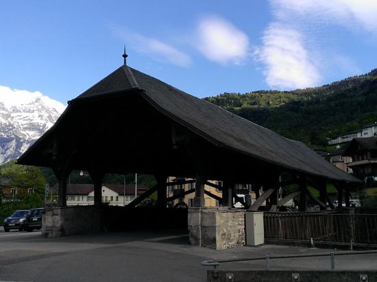 Le pont couvert de Monthey [J. Genet]